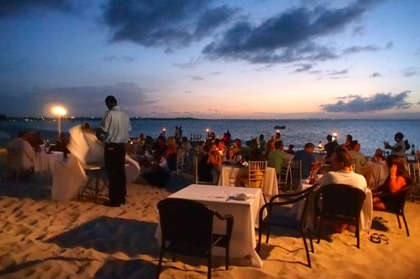 Dining in the sand at the Somerset Beach BBQ | SBPR