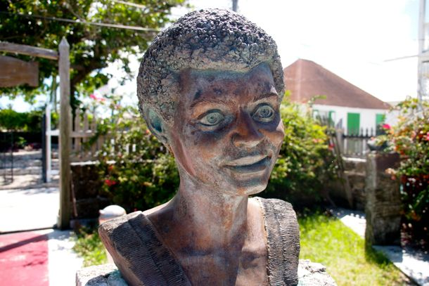 Bronze bust, Loyalist Sculpture Garden, Green Turtle Cay | SBPR