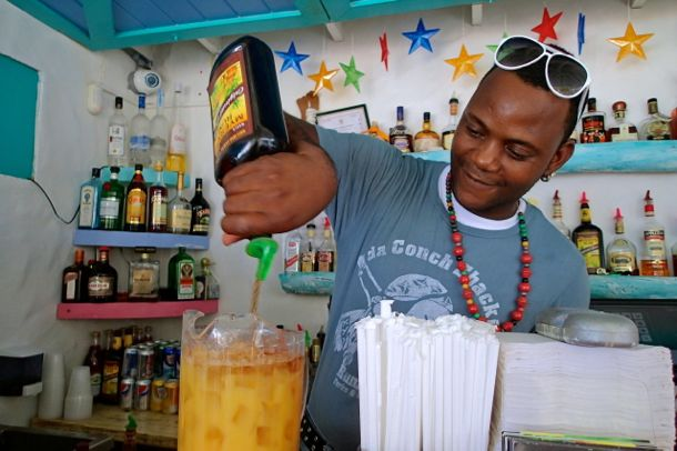 Topping Da' Conch Shack Rum Punch with Myers back in the day | SBPR