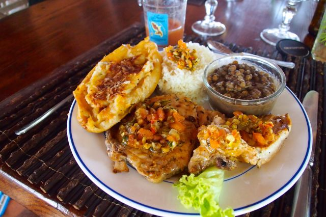The fish lunch platter I enjoyed on my last visit to Ilet Oscar in May 2014 | SBPR