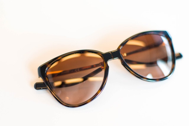 Tory Burch – Brown Butterfly Sunglasses