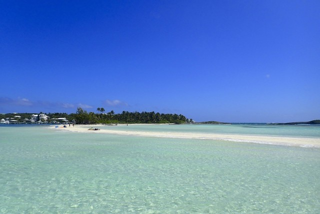 Tahiti Beach stretching away from the southern coast of Elbow Cay   SBPR