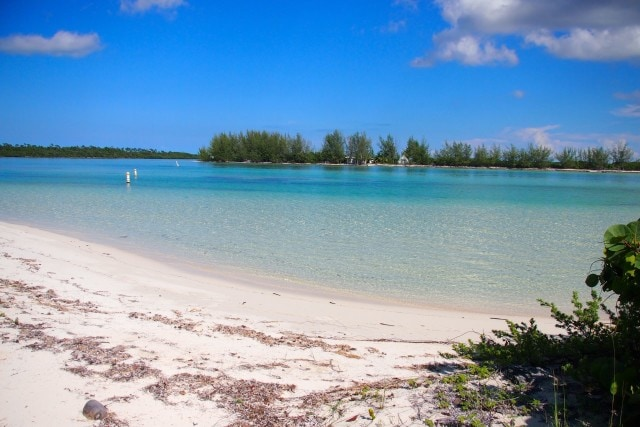 Secluded beaches lay sprinkled about Deep Water Cay | SBPR