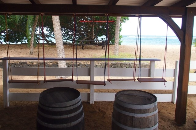 Swings and rhum barrels at Cocoa Beach Cafe | SBPR