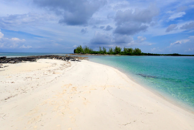 Sweet seclusion near Deep Water Cay, The Bahamas | SBPR