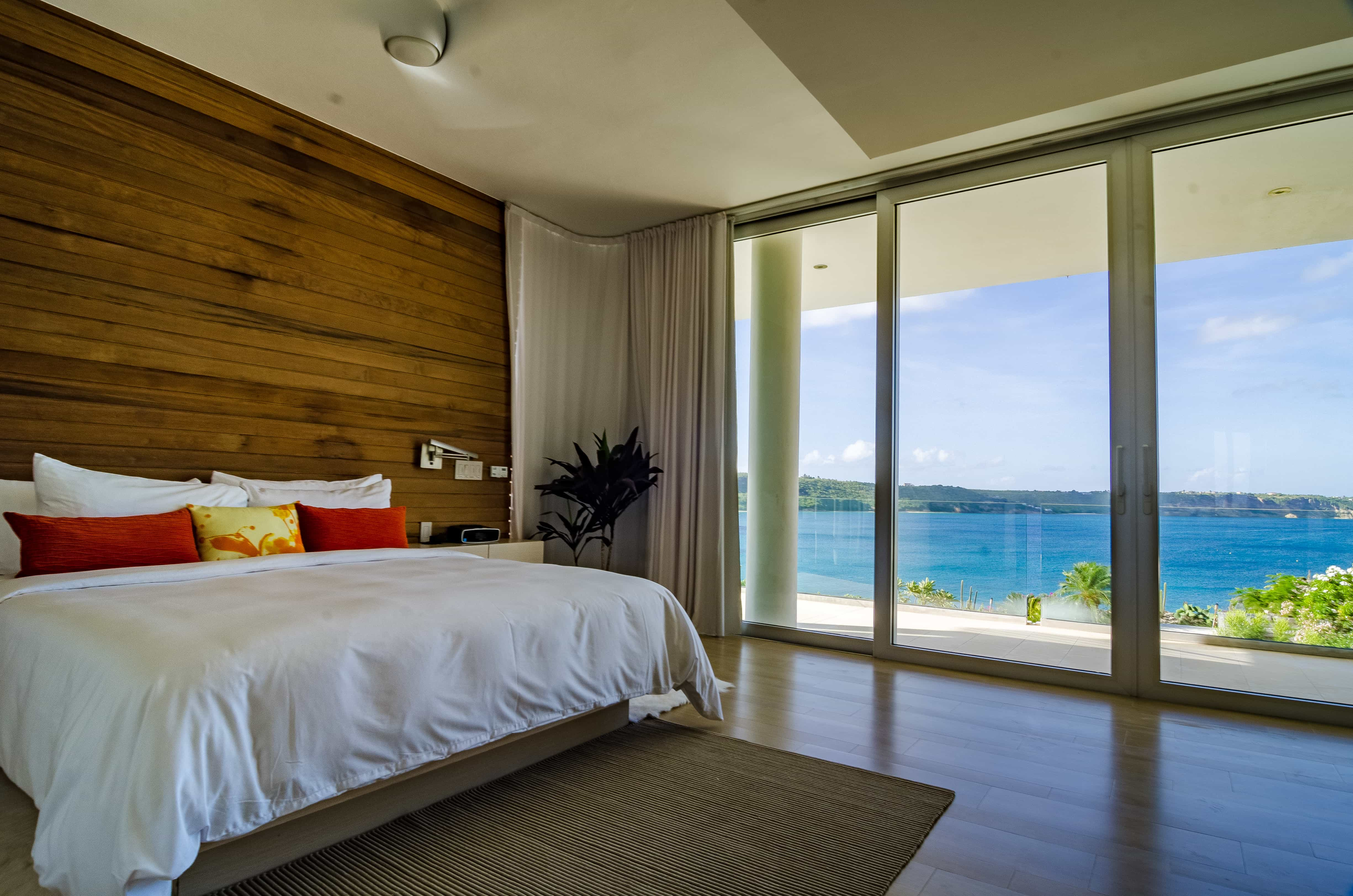 All 10 suites and master bedrooms are impeccably appointed.