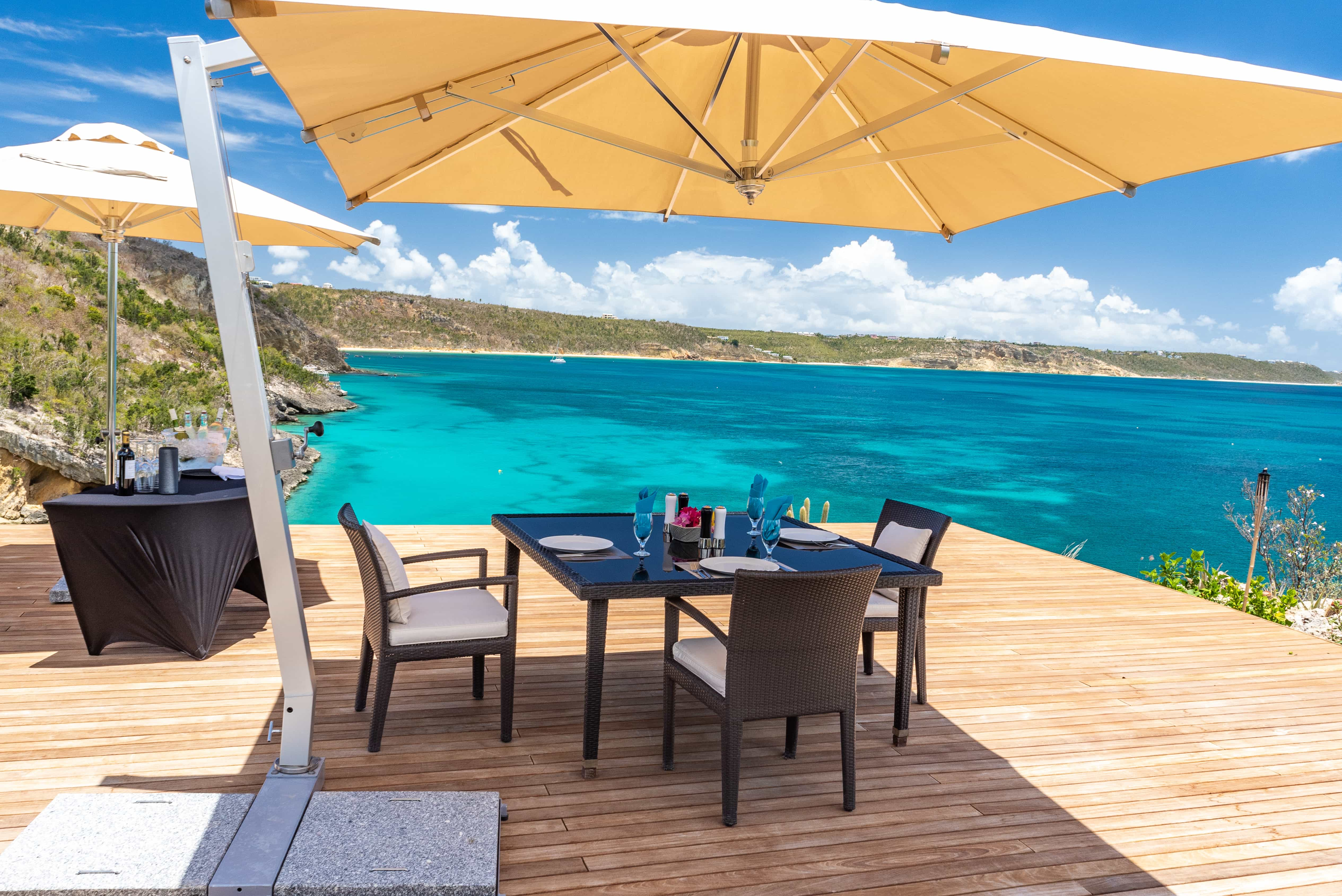Dine at your leisure and at the location of your choice —anywhere on island or even neighboring islands.
