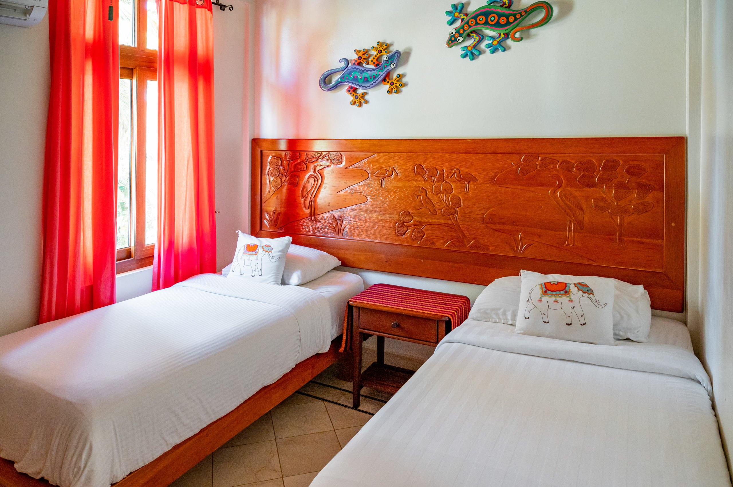 Bringing the kids along? Themed rooms keep Belizean delights dancing in through their dreams all night.